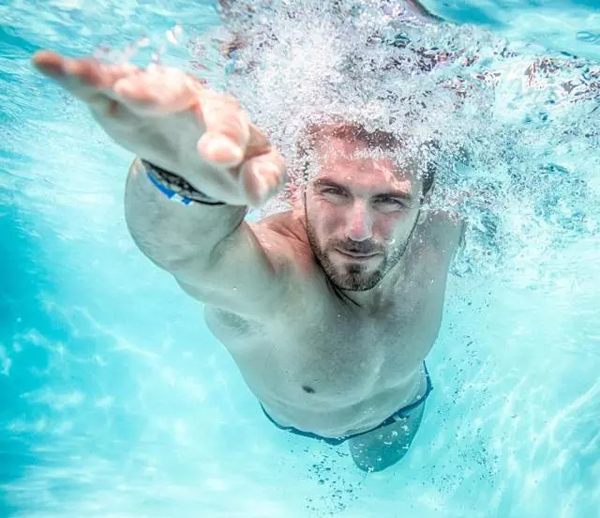 "Four-stage practice method to help you become a ""super swimmer"""